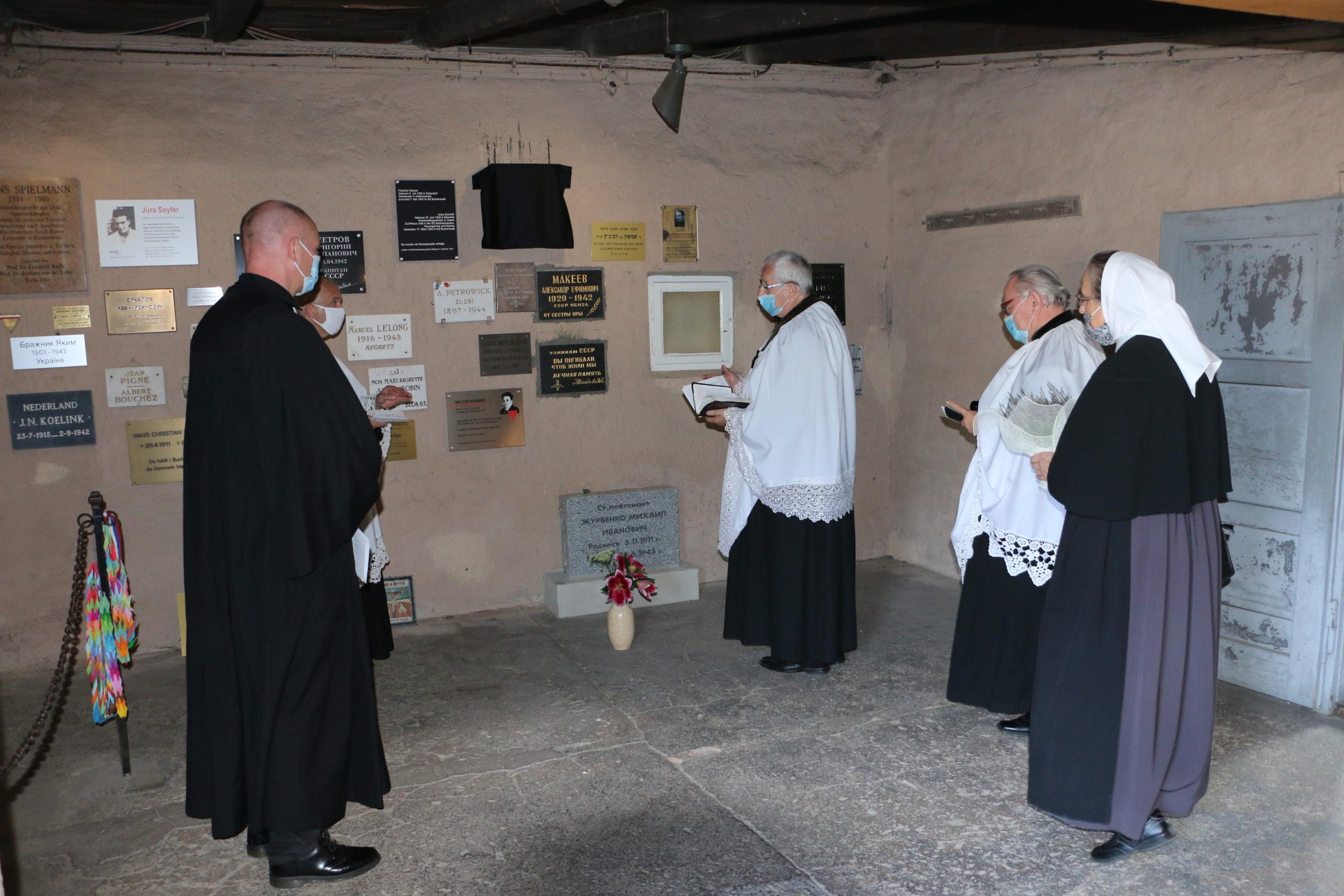 Tablica pamięci ks. Karola Kulisza w Buchenwaldzie